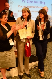 Pr Elke Richling was awarded by Lisbon Polyphenols 2014 Scientific Committee for her Scientific Contribution